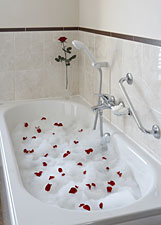 Luxurious bath in our Hotel in Criccieth